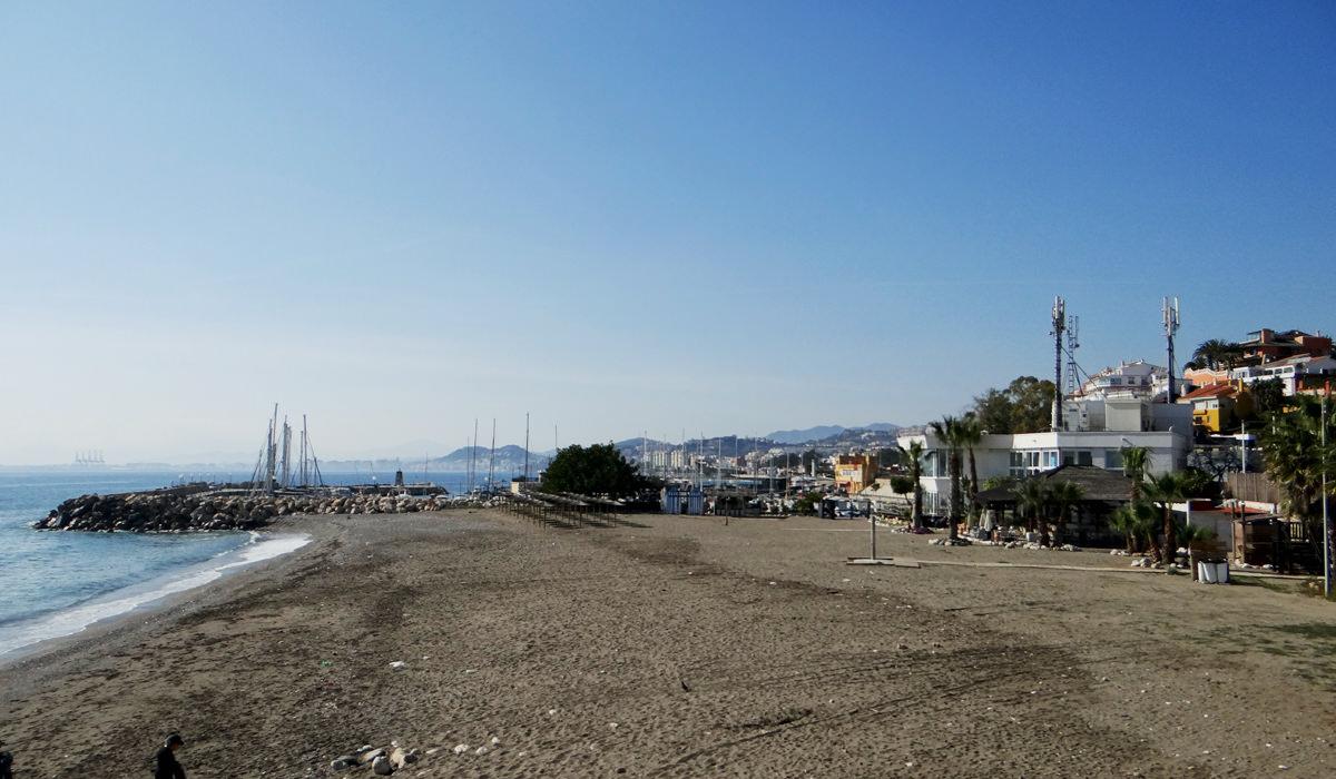 Strand El Candado in Málaga