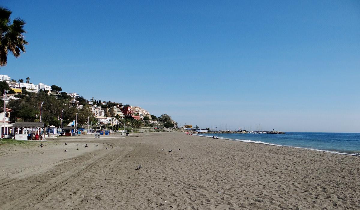 Strand El Dedo/ El Chanquete in Málaga
