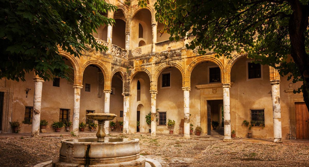 Palast Ribera Bornos